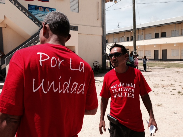"Glen Eiley sports his ""Por la unidad"" shirt on convention day."